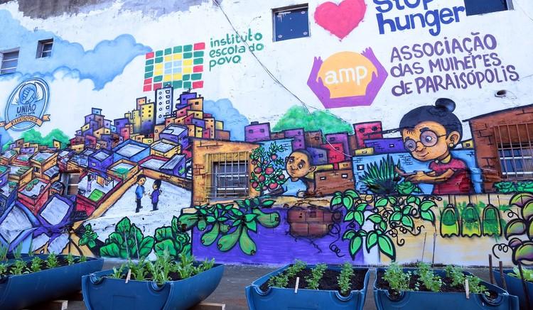 Paraisópolis ganha horta comunitária com apoio de moradores, O projeto prevê a formação de jovens e mulheres em técnicas de plantio no vaso. Foto: Divulgação. Image via CicloVivo