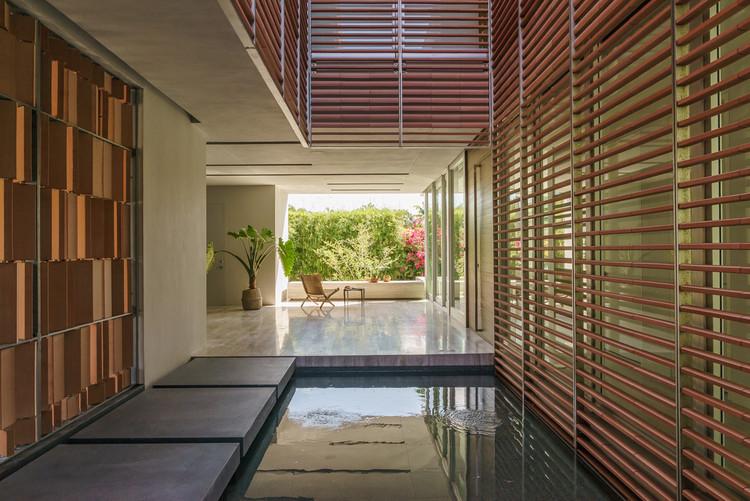 Casa Ron Rojas / Rene Gonzalez Architect, © Michael Stavaridis