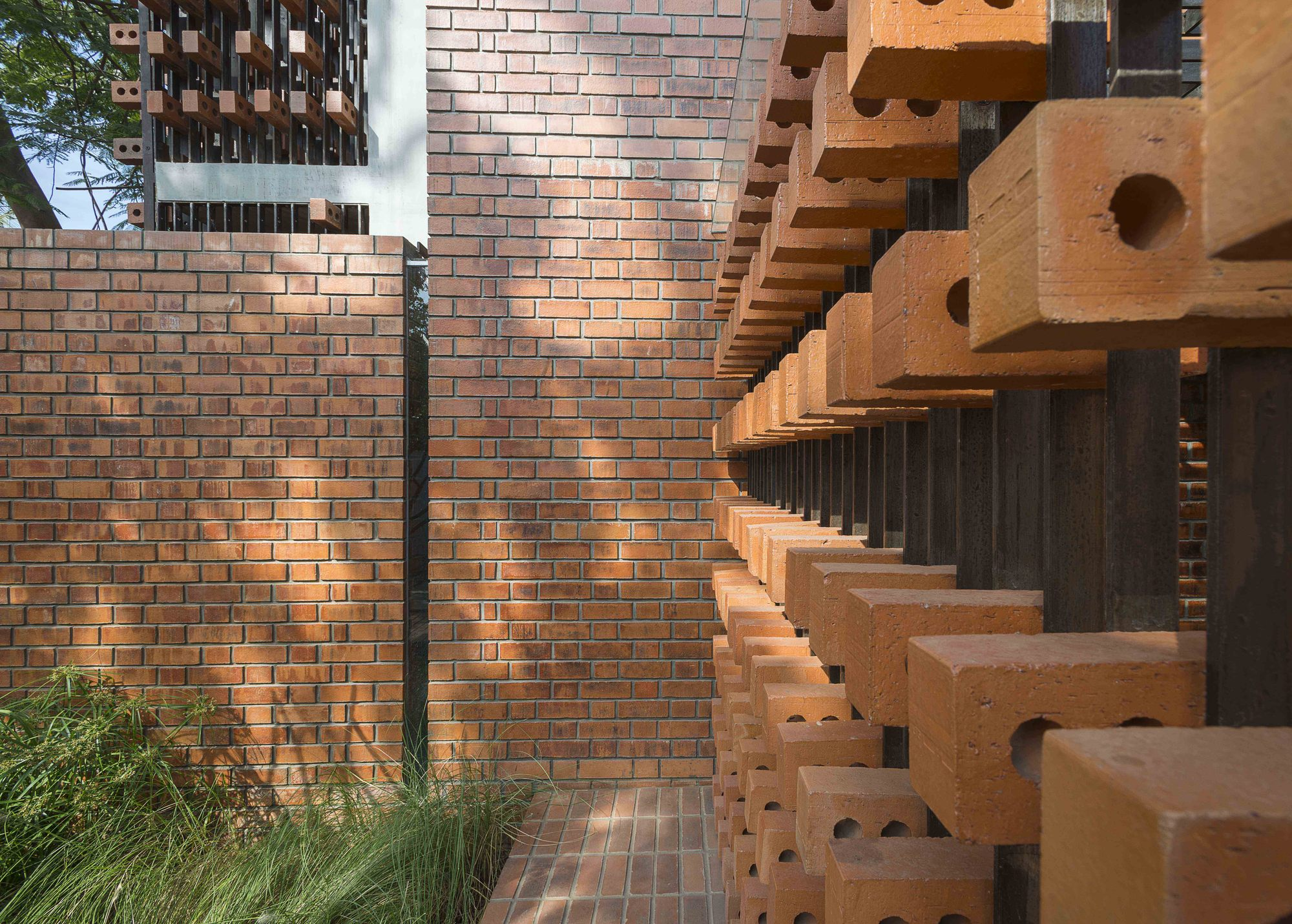 Gallery Of Brick House Architecture Paradigm 12