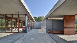 The House by the Trees  / Modo Designs