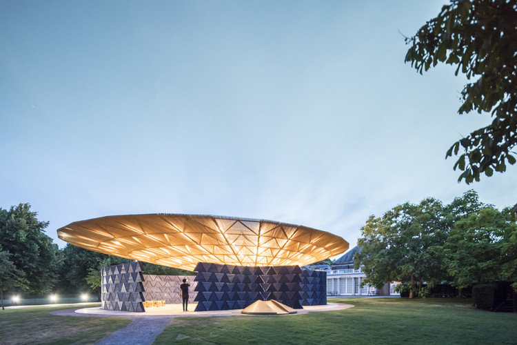 Diébédo Francis Kéré's Serpentine Pavilion Photographed by Laurian Ghinitoiu, © Laurian Ghinitoiu