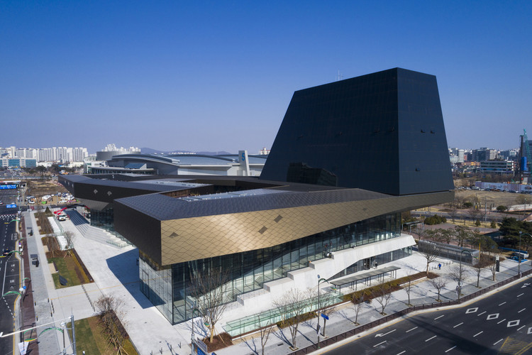 Hyundai Motorstudio Goyang / Delugan Meissl Associated Architects, © Katsuhisa Kida