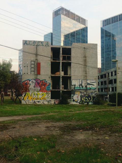 Detienen demolición ilegal de Villa San Luis a cuatro días de votación que lo declararía monumento, Estado del lote 18 de la Villa San Luis antes de la demolición detenida el pasado sábado 24 de junio. Image © Danae Santibáñez