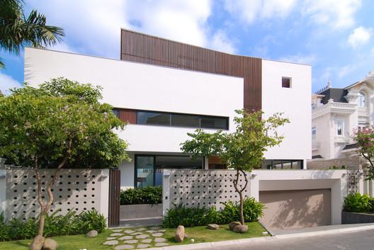 Villa Eden / xyz architects