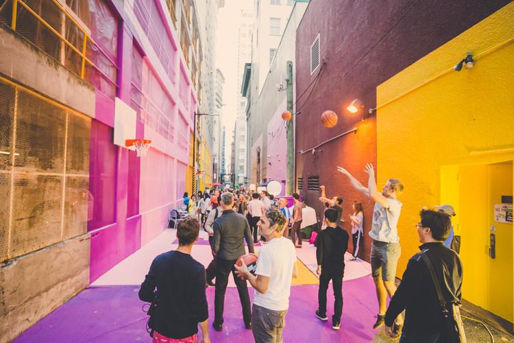 Valparaíso será sede del primer 'Encuentro de Innovación Urbana Ciudadana' para la XX Bienal de Arquitectura, Transformación Callejon Vancouver. Image Cortesía de HCMA