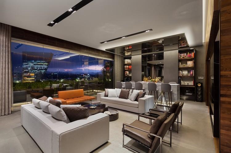 Departamento jsmh sordo madaleno arquitectos plataforma arquitectura for Interiores de departamentos modernos