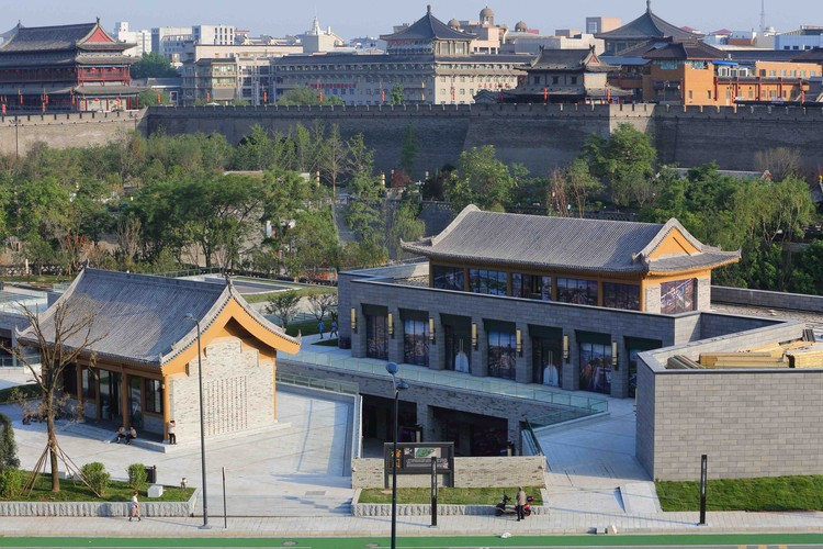 Renovation of Xi'an South Gate Plaza / China Northwest Architecture Design and Research Institute, miao garden buildings. Image © Chen Su