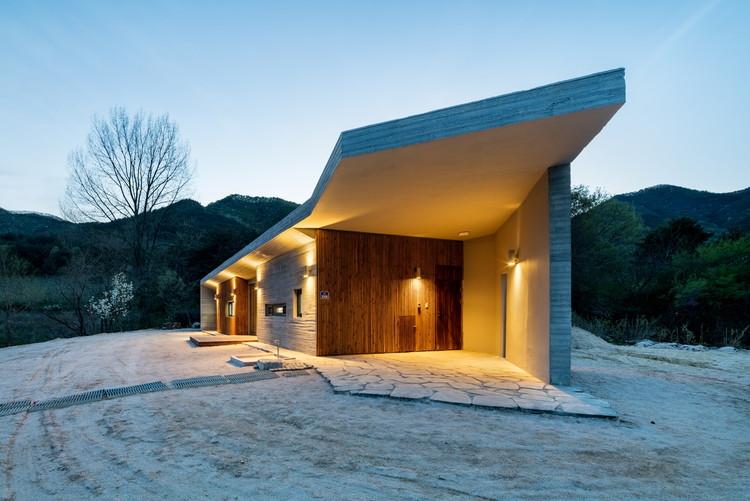 Apple Farm House / 2m2 architects, © Shin Kyungsub