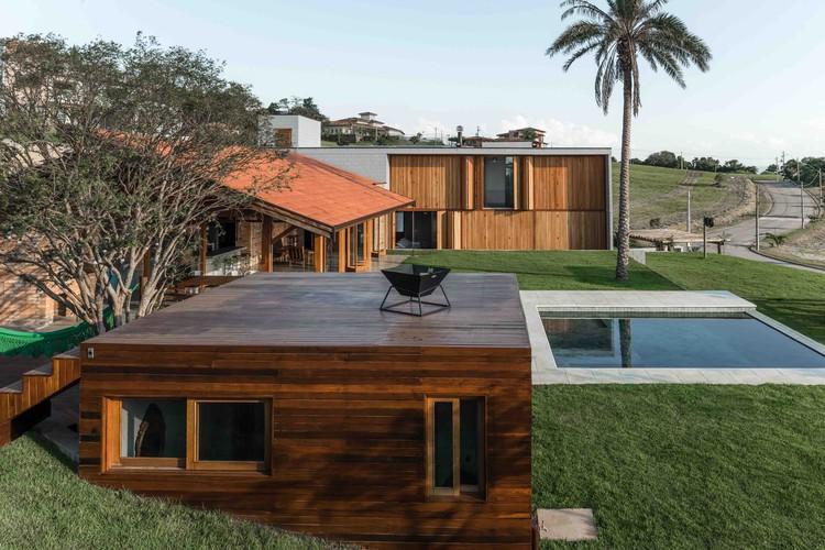 Residência Kurumim   / PM Arquitetura + Bruno Pimenta, © Adriano Escanhuela
