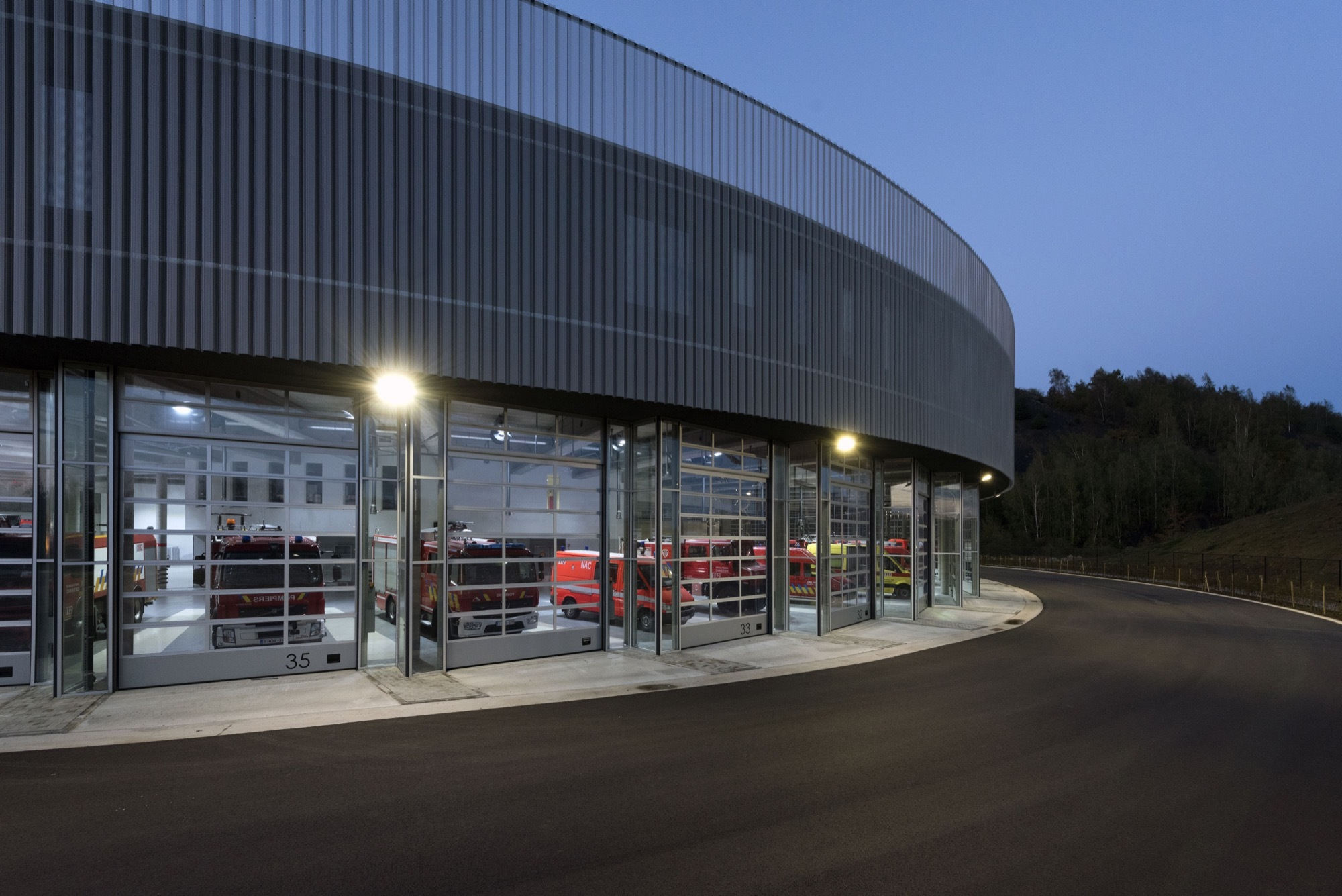 Fire station for the sri charleroi samyn and partners