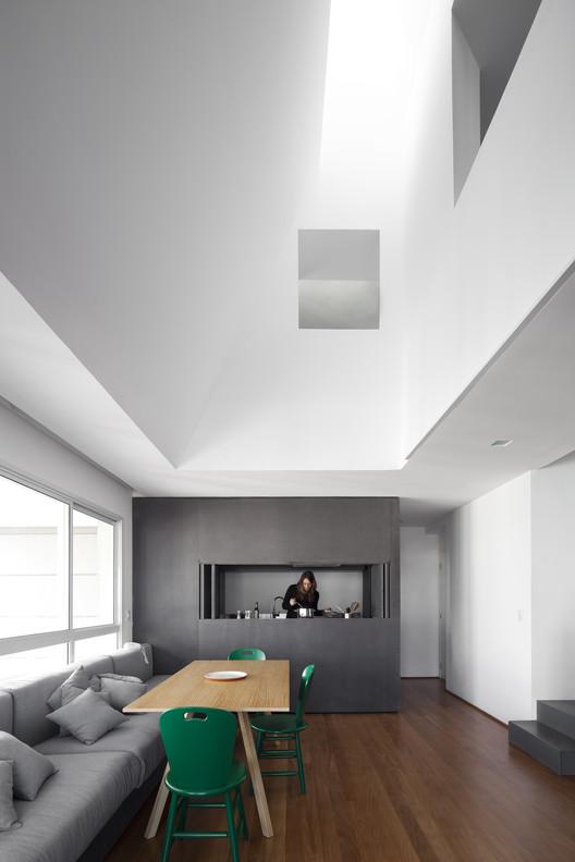 Apartement Vazio / AR Arquitetos, © Maíra Acayaba