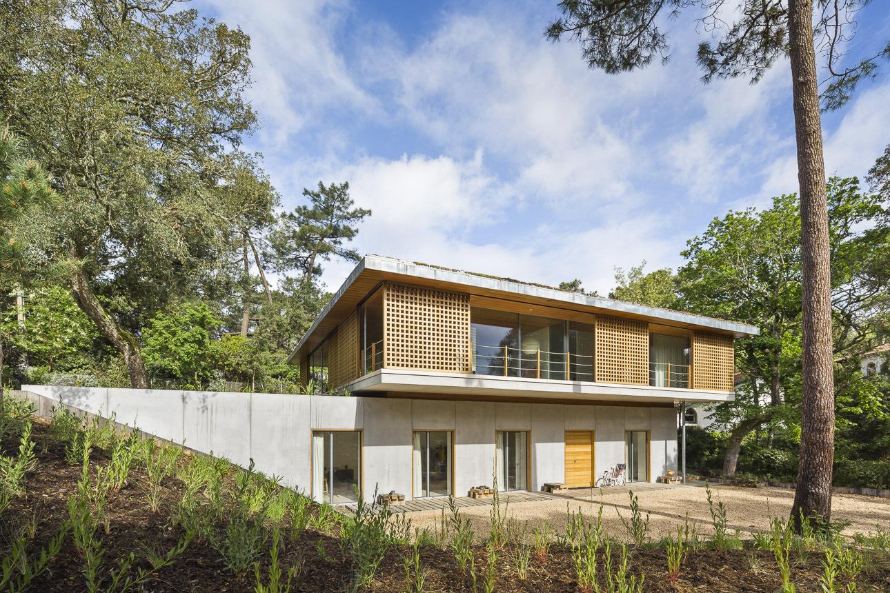 Maison architecte landes for Maison moderne landes