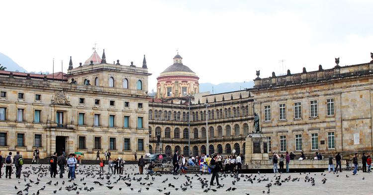 14 universidades colombianas se unen para investigar a Bogotá, Bogotá, Colombia. Image © PROMinisterio TIC Colombia [Flickr], bajo licencia CC BY-SA 2.0