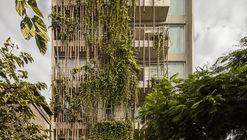 Madreselva Building / Vicca Verde
