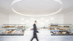 Commercial Axis / Martins Architecture Office