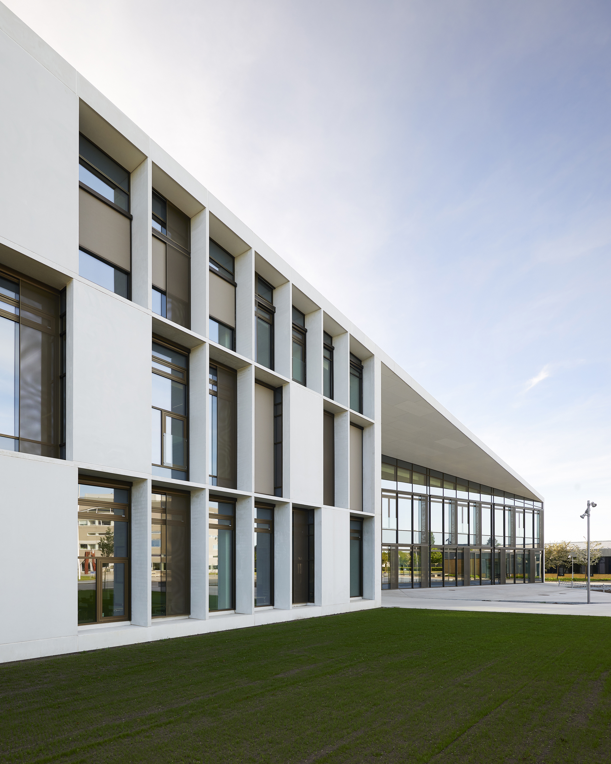 Herningsholm vocational school c f m ller archdaily for Martin architects