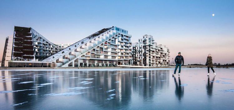 Kai-Uwe Bergmann: 'Bjarke Ingels está consciente de los peligros de la publicidad', 8 House en Copenhague, Dinamarca. Image © Bjarne Tulinius