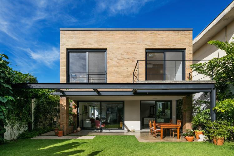 Casa granja Julieta / Jamelo Arquitetura, © Nelson Kon