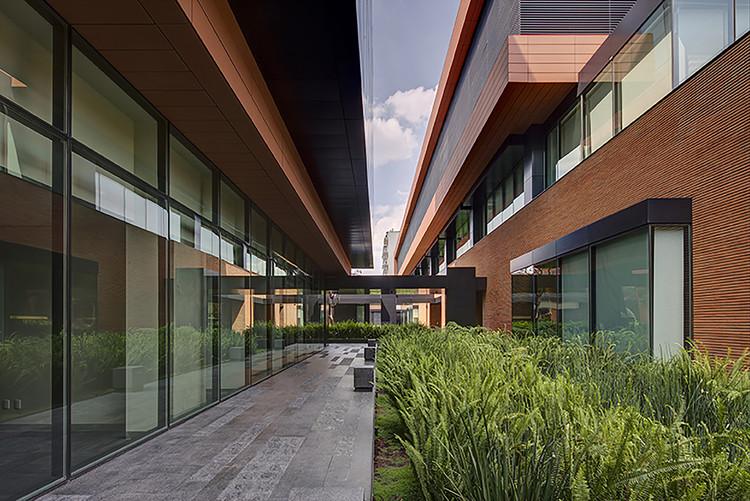 Tercera Bienal de Arquitectura de la Ciudad de México busca las mejores obras arquitectónicas en la Zona Metropolitana, Proyecto ganador del Gran Premio y Medalla de Oro de la Segunda Bienal de Arquitectura Ciudad de México. Image Cortesía de DLC Arquitectos