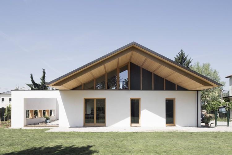 SCL Straw-Bale House / Jimmi Pianezzola Architetto, © Alberto Sinigaglia