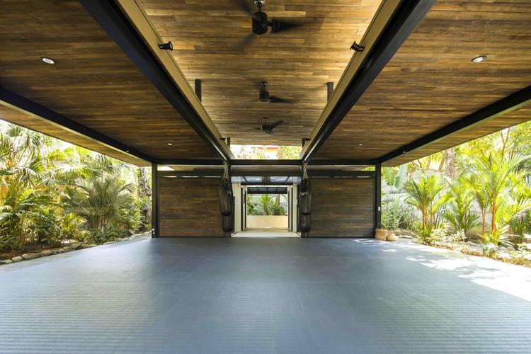 Cortesía Studio Saxe Cortesía Studio Saxe. Nosara se ha convertido en un  destino para los visitantes de ... dd912db0617