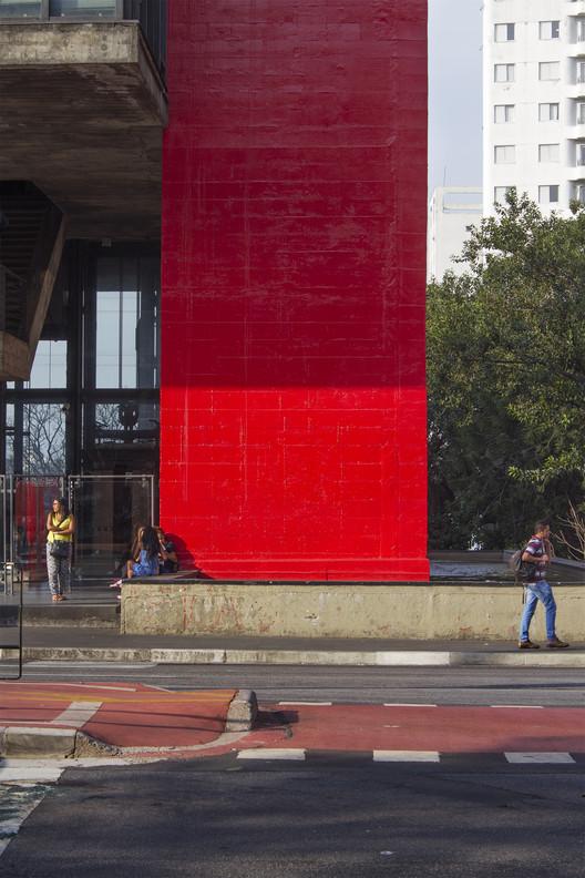 Edifícios de Lina Bo Bardi para visitar em São Paulo, MASP na Avenida Paulista, construído em 1968. Image © FLAGRANTE