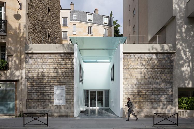 Entrada a las Catacumbas de París / YOONSEUXarchitectes, © Pierre L'Excellent