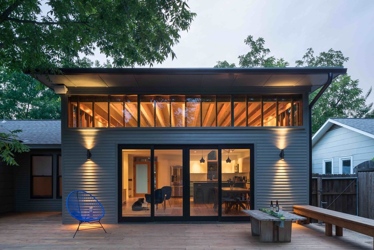Skyview / Murray Legge Architecture, © Whit Preston