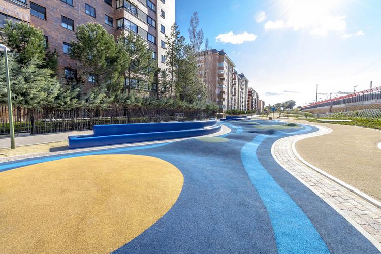 Madrid presenta concurso de diseño para remodelar 11 plazas públicas de la ciudad, Parque Mirasierra en el distrito Fuencarral-El Pardo. Image © Comunidad de Madrid [Flickr], bajo licencia CC BY-NC-ND 2.0