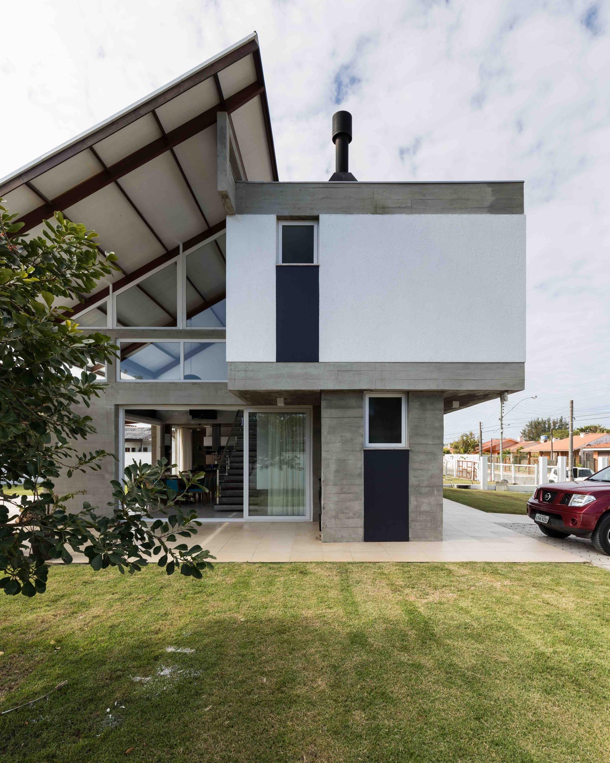 Galeria De Casa Rio Das Contas / 151 Office Arquitetura