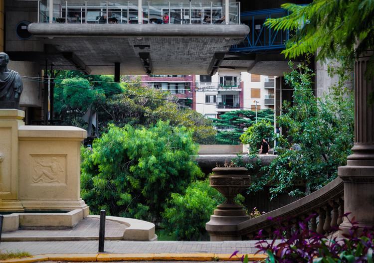 Fotógrafos Urbanos: la atmósfera urbana capturada en Buenos Aires, Jorge Néstor Guinsburg. Image vía Fotógrafos Urbanos - Bs. As.