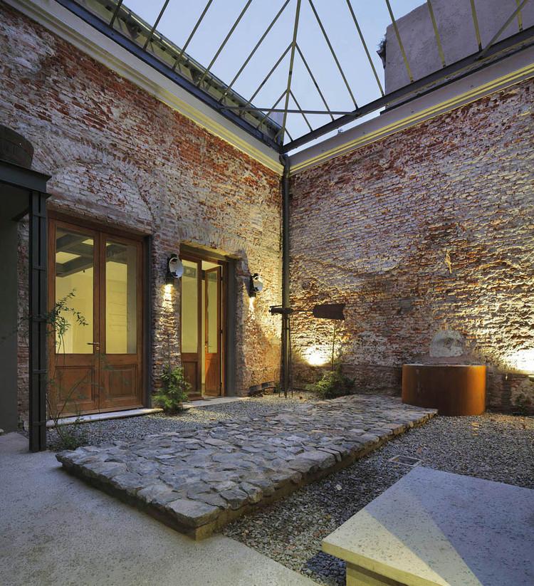 Glicinas Courtyard / Amelio-Ortiz, © Claudio Manzoni
