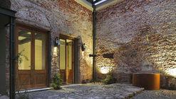 Glicinas Courtyard / Amelio-Ortiz