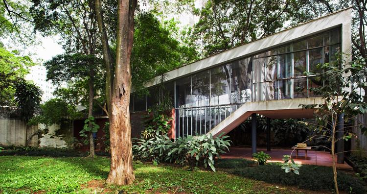 """Vilanova Artigas entre os """"gigantes da arquitetura moderna"""" segundo o The Guardian, Segunda residência do arquiteto / Vilanova Artigas. Image © Nelson Kon"""