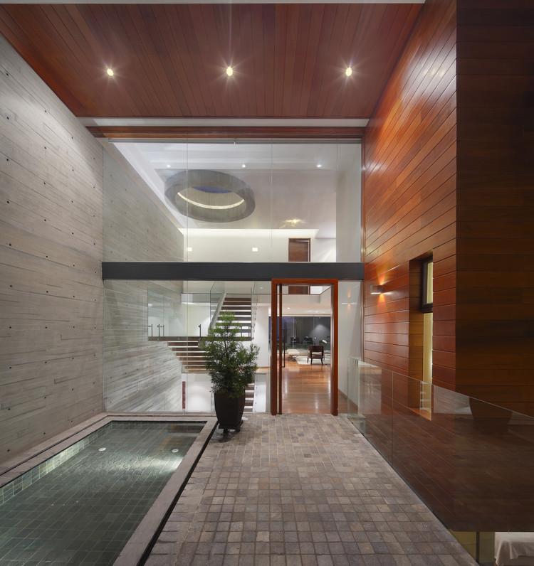 House on the Top / Metrópolis Oficina de Arquitectura  , © Juan Solano