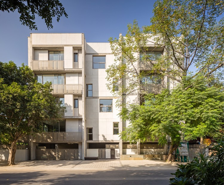 Apartment and Trees / vir.mueller architects, © Randhir Singh