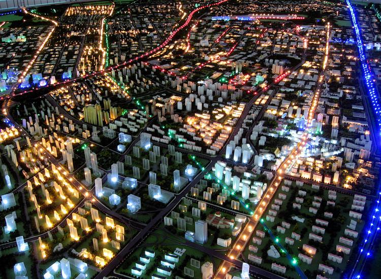 Espaços Públicos: o que o planejamento urbano pode ganhar com a tecnologia, Inovações tecnológicas podem modernizar o planejamento urbano e tornar políticas públicas e diretrizes mais eficientes e precisas. Foto: Steve Juvertson/Flickr-CC. Image Cortesia de TheCityFix Brasil
