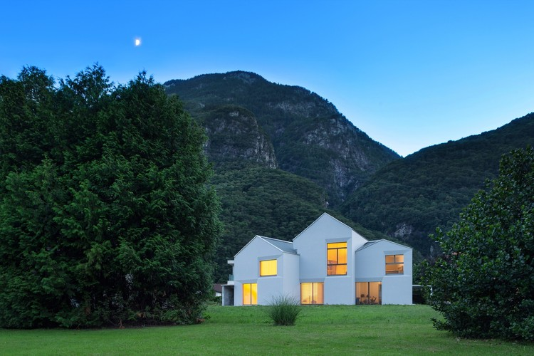 Casa XXII Preonzo  / Davide Macullo Architects, © Alexandre Zveiger