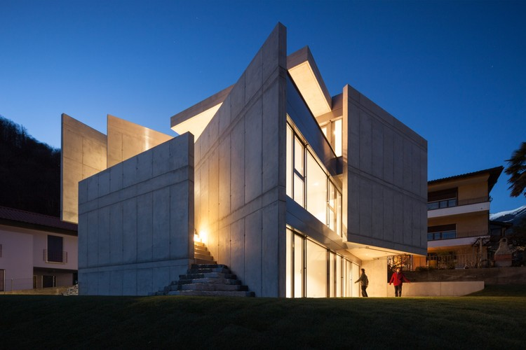 Casa Suíça XXXIV Galbisio  / Davide Macullo Architects, © Alexandre Zveiger