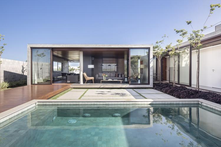 Güths House / ArqBr Arquitetura e Urbanismo, © Joana França