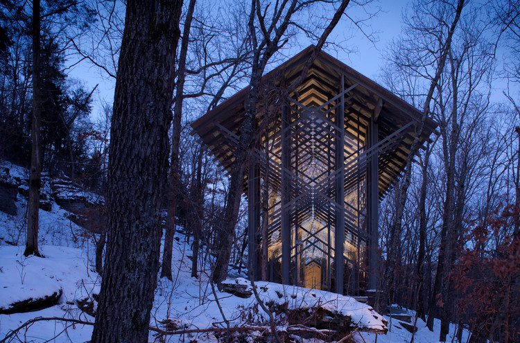 How Architecture Affects Your Brain: The Link Between Neuroscience and the Built Environment, <a href='http://www.archdaily.com/533664/ad-classics-thorncrown-chapel-e-fay-jones'>Thorncrown Chapel / E. Fay Jones</a>. Image © Randall Connaughton