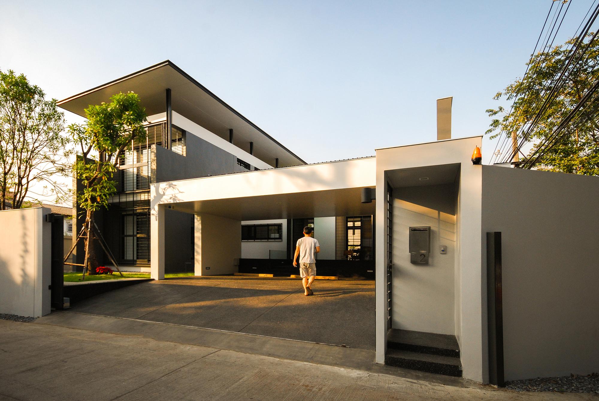 Gallery Of Three House Junsekino Architect And Design 1