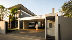 Three House / Junsekino Architect And Design
