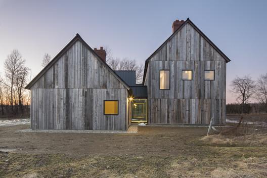 Townships Farmhouse / LAMAS
