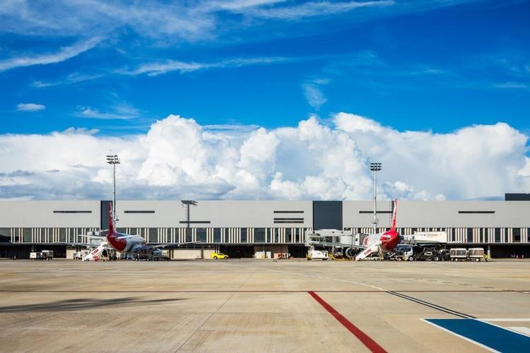 O uso do aço no Novo Aeroporto Internacional de BH, por Marcelo Barbosa (BACCO Arquitetos), Fachada do Novo Aeroporto Internacional de Belo Horizonte, projeto BACCO Arquitetos