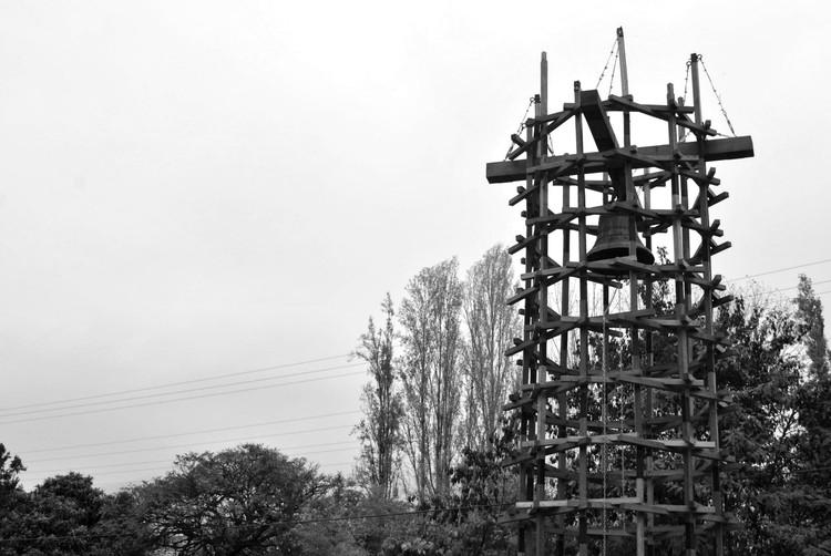 La madera de eucalipto como origen para la transformación de una iglesia centenaria en Rengo, © Constanza Monserratt Garcia González