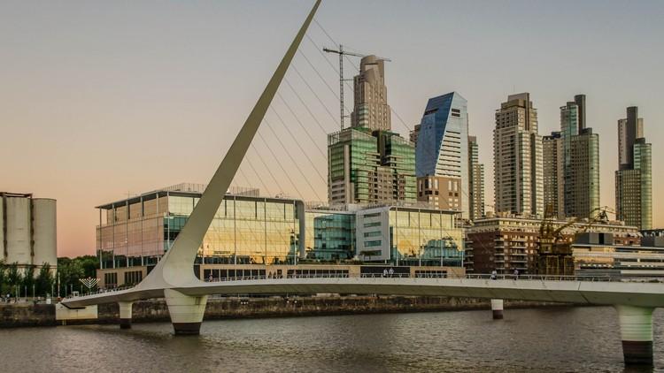 CAU promove oficinas de capacitação para o mercado exterior, Puerto Madero, Buenos Aires, Argentina. Image via Visual Hunt