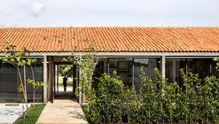 Casa Paraíso Country Club   / DCPP Arquitectos