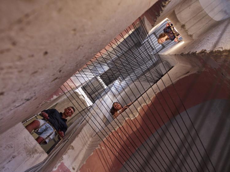 """7 Estruturas temporárias exploram as possibilidades arquitetônicas do uso de cordas, Equipe: """"Stair Strike"""". Imagem © Luka Boskovic"""