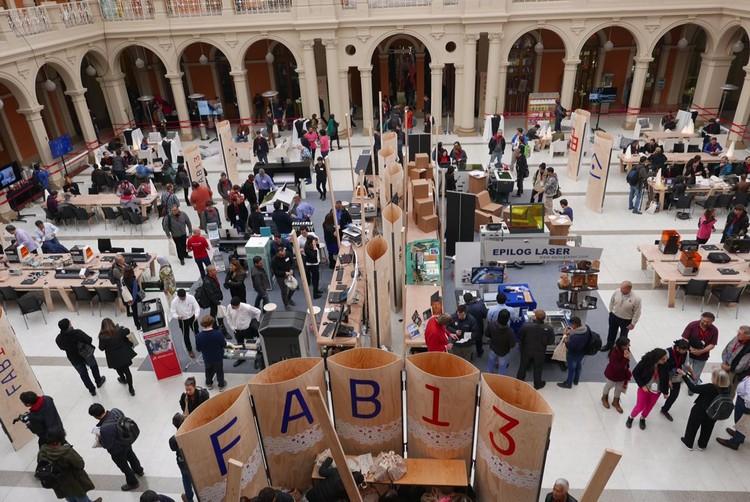¡FAB13 abre sus puertas en Santiago de Chile!, FAB13 en el Centro de Extensión UC en Santiago de Chile. Image Cortesía de FAB13